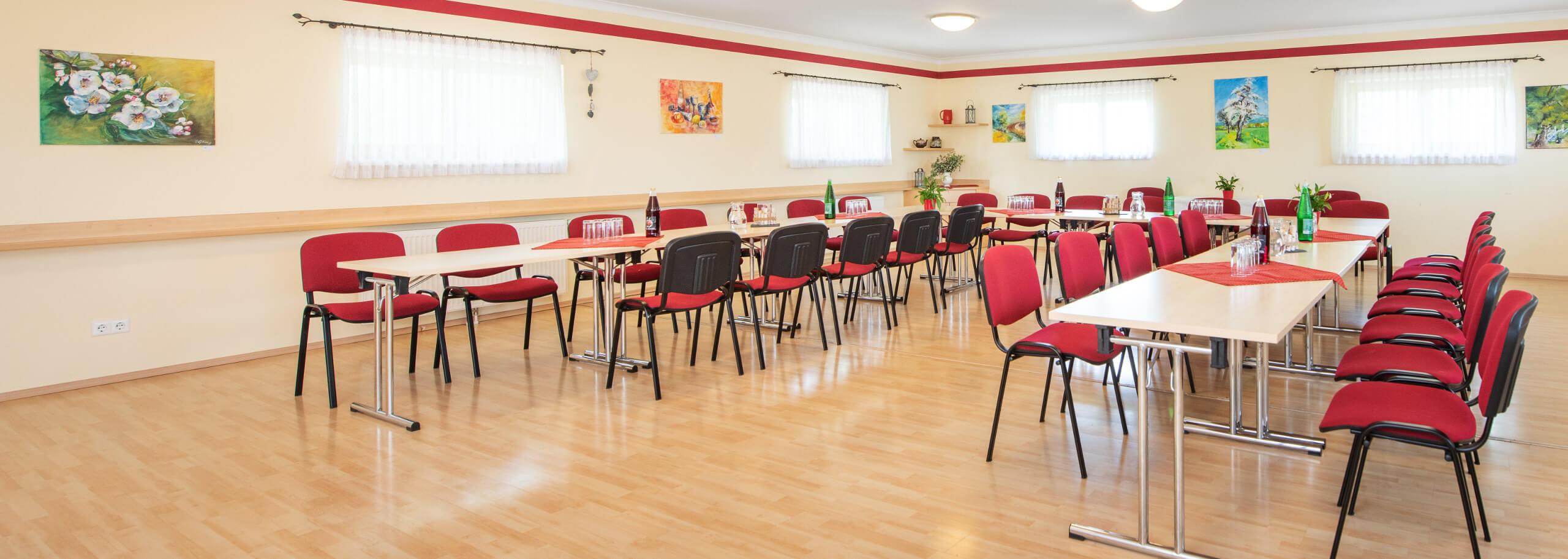 Im Veranstaltungsraum Seminare, Vorträge und Tagungen im Naturfreunde Bootshaus abhalten